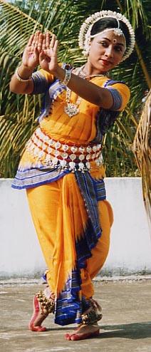 Танцовщица Одисси в традиционном танцевальном костюме