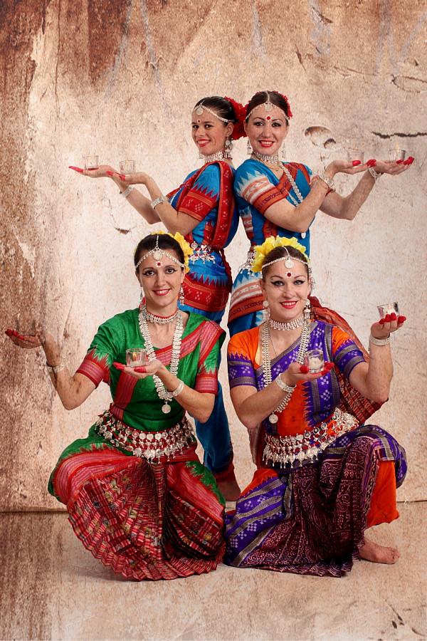 """Школа-Студия индийского танца """"Девадасси"""""""