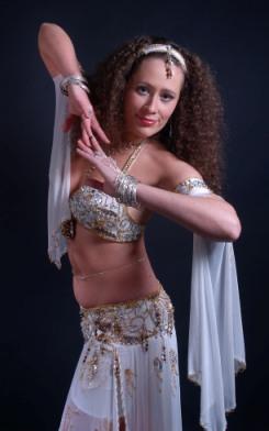 Ксения Суслова (Амита) художественный руководитель школы восточных танцев Шелковый путь