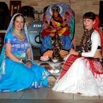 Ксения Амита и Таиса Джа Сурья